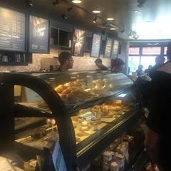 Photo taken at Starbucks by Baran Emrah D. on 5/25/2015
