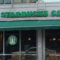 Photo taken at Starbucks (สตาร์บัคส์) by ♪♥★ⓒⓗⓐⓣⓒⓗⓐⓡⓘⓝ★♥♪ on 12/7/2012