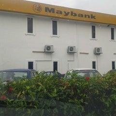 Foto tirada no(a) Maybank por Azham B. em 11/10/2012