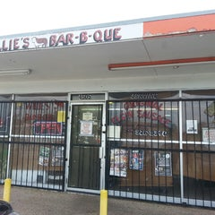 Photo taken at Willie's Bar-B-Que by Jaime P. on 9/27/2013