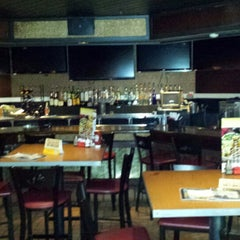 Photo taken at Chili's Grill & Bar by Vernon on 3/7/2014