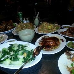 Photo taken at Big Wong King 大旺 by Kelzs on 12/12/2012