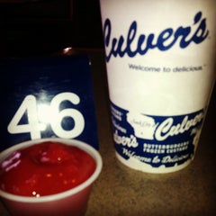 Photo taken at Culver's by Leslie C. on 4/13/2013