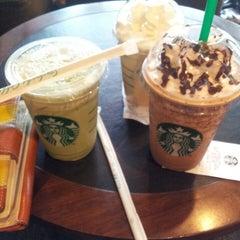 Photo taken at Starbucks (สตาร์บัคส์) by H2O on 2/25/2013