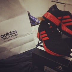 Photo taken at Adidas Outlet by Dú S. on 6/19/2013