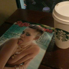 Photo taken at Starbucks by Eduardo M. on 9/29/2013