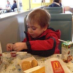 Photo taken at McDonald's by Ray C. on 12/28/2013