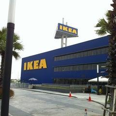 Photo taken at IKEA Restaurant & Café (อิเกีย ร้านอาหารและคาเฟ่) by Sarayut P. on 3/15/2013