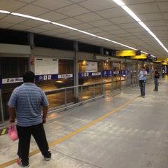 Photo taken at Estación 2 de Mayo - Metropolitano by Jose L. on 5/11/2013