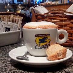 Photo taken at Armazém do Café by Marciel F. on 5/14/2013