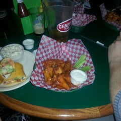 Photo taken at The Coach Sports Bar by Brian S. on 10/26/2014