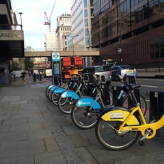 Photo taken at TFL Santander Cycle Hire by Paul G. on 9/30/2014