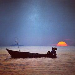 Das Foto wurde bei Tanjung Tinggi Beach von dhanang widiyanto am 9/3/2013 aufgenommen