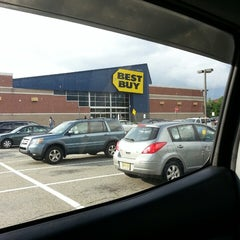 Photo taken at Best Buy by Ed O. on 7/3/2013