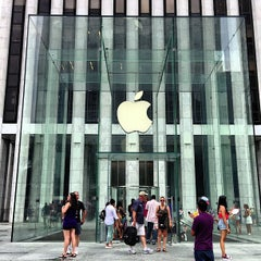 Photo taken at Apple Store, Fifth Avenue by Ryan S. on 7/22/2013