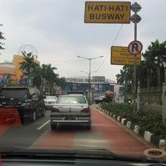 Photo taken at Jalan Sultan Iskandar Muda (Arteri Pondok Indah) by Ari W. on 5/3/2014