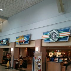 Photo taken at Starbucks by Enrico P. on 11/21/2012