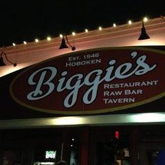 Photo taken at Biggie's Restaurant Raw Bar Tavern by Jose P. on 10/13/2012