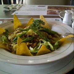 Photo taken at Pisa Kafe by Annisa Ramdhani K. on 10/13/2012