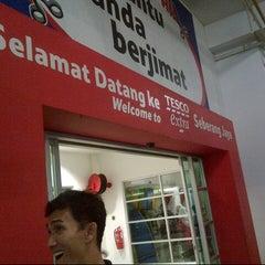 Photo taken at Tesco Extra by Azli D. on 9/20/2012