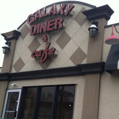 Photo taken at Galaxy Diner by Joseph Michael S. on 12/26/2012