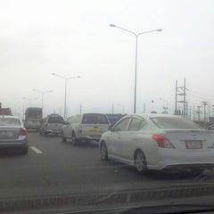 Photo taken at ทางหลวงพิเศษหมายเลข 7 (Motorway No. 7) by Woralan P. on 2/14/2014