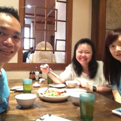 Photo taken at Dian Xiao Er 店小二 by Chan Y. on 4/18/2015