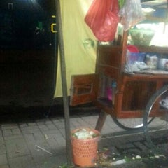 Photo taken at Jalan Haji Nawi by Afri A. on 4/25/2013