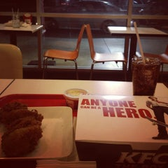 Photo taken at KFC (เคเอฟซี) by Cario N. on 11/18/2012