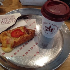 Photo taken at Pret A Manger by Abdulwahab A. on 9/18/2013