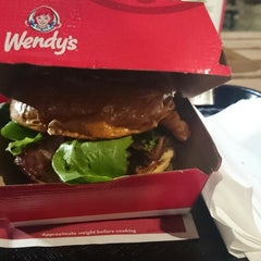 Photo taken at Wendy's by Henrique S. on 3/5/2015