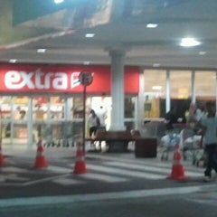Photo taken at Extra by Mário Cezar S. on 10/8/2012