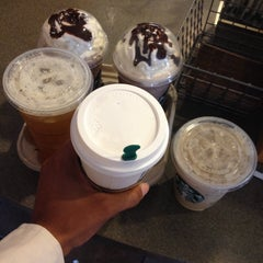 Photo taken at Starbucks by Evelyn C. on 4/5/2015