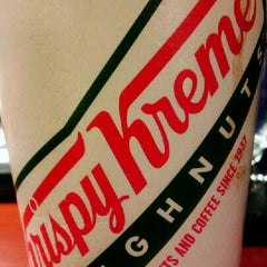 Photo taken at Krispy Kreme Doughnuts by ✈--isaak--✈ on 12/28/2012