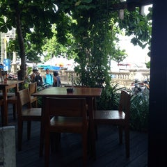 Photo taken at Dejavu Club & Lounge by Kidkat K. on 5/18/2014