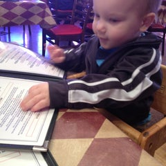 Photo taken at U.S. Pizza Co. by Marla R. on 1/6/2013
