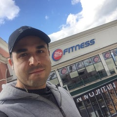 Photo taken at 24 Hour Fitness by Roberto B. on 10/17/2015