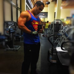 Photo taken at 24 Hour Fitness by Roberto B. on 7/14/2015