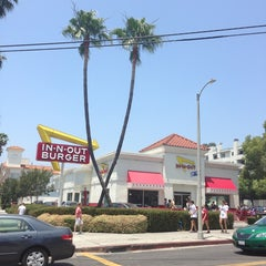 Photo taken at In-N-Out Burger by Daniel V. on 6/8/2013