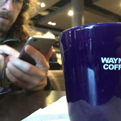Photo taken at Wayne´s Coffee by Liliya V. on 5/1/2015