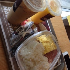Photo taken at McDonald's by Yng L. on 10/9/2014