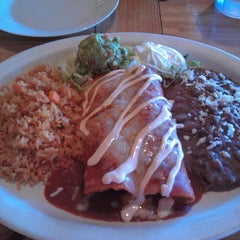 Photo taken at Papi Chulo's Mexican Grill & Cantina by Jackie on 9/30/2013