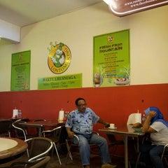 Photo taken at Lontong King, Taman Lagenda Suria HL by Nurul Huda S. on 10/21/2012