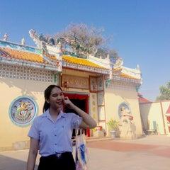Photo taken at ศาลเจ้าแม่ทับทิม by Nutchanun S. on 4/1/2015