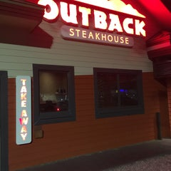 Photo taken at Outback Steakhouse by SooFab on 2/4/2016