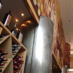 Photo taken at Viña Gourmet by Eduardo R. on 4/18/2013