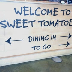 Photo taken at Sweet Tomatoes by Britna K. on 5/29/2013