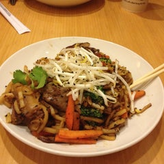 Photo taken at Noodles & Company by VazDrae L. on 2/28/2014