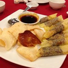 Photo taken at Grand City Restaurant by ıɾuıɥs o. on 11/26/2013