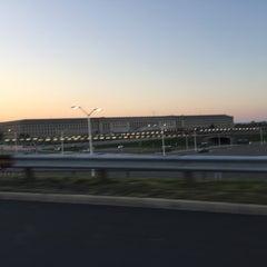 Foto tirada no(a) The Pentagon por Rasheed M. em 4/16/2016